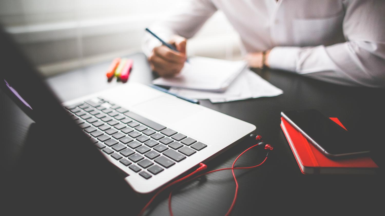 computer-laptop-work-office